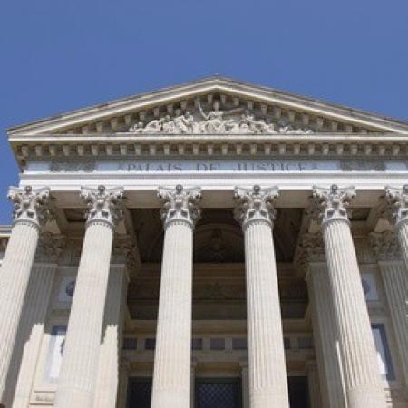 La composition de la Cour d'assises à Nîmes par votre avocat
