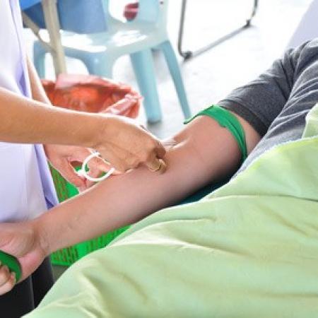 Victime d'une infection par le virus de l'hépatite C à l'occasion d'une transfusion sanguine