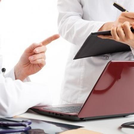 Le statut du médecin salarié et le fondement juridique de sa responsabilité