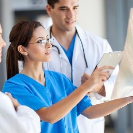 Afin de réduire les erreurs médicales, l'obligation de formation des médecins renforcée