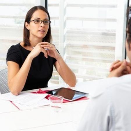 Quelles sont les informations que l'employeur peut demander lors du recrutement d'un salarié